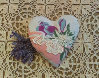 Lavender Sachet Crafted from Vintage Tablecloth: Valentine, Wedding, Aromatherapy