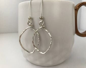 Sarabeth Small silver leaves earrings