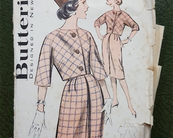 Vintage  sewing pattern Butterick 9437 boxy jacket kimono style and slim skirt bust 32 inches 81cm 1960s