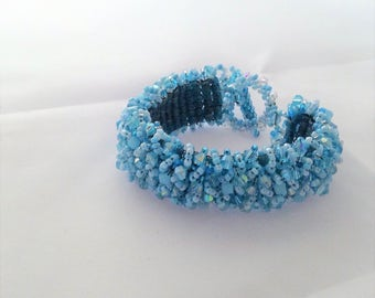"""pale/baby blue shaggy seed bead bracelet with crystal bicones 7"""""""