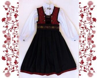 """Deadstock NOS Norwegian Girl Bunad Festdrakt """"Friends"""" - Dress, Blouse and Belt - for 4 years old"""