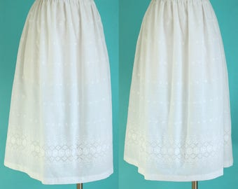 Vintage 70s White Skirt - Summer Skirt - Embroidered Skirt - Floral Skirt - Midi Skirt - Peasant Skirt - Hippie Skirt - Size Large