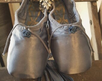 Pre-Vintage Ballet Pointe Shoes by Freed of London French Blue Satin w/Blue Roses~Shabby & Chic