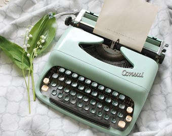 Consul Mint green retro portable typewriter working condition original case made in Czechoslovakia