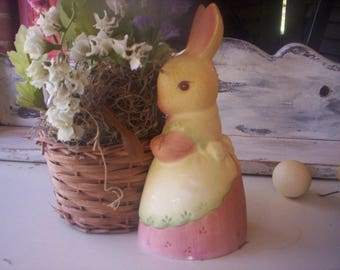 Vintage Bunny Figurine/Ceramic bunny/Easter flower basket/Easter bunny with basket/rabbit with basket/Easter ceramic rabbit/Porcelain Bunny