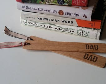 Oak bookmark with the word DAD engraved on it, fathers day gift, father, best dad, gift for dad, gift for daddy, mens gifts