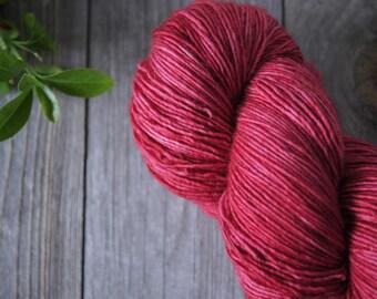 Kettle Dyed Yarn Superwash Merino . Fingering . 400 yards . 100 g . Moonlight . Shades of Pink . Colorway Kitty Nose