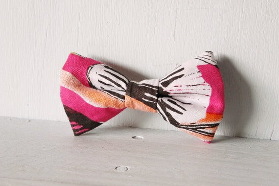 Dog bow tie >> Pink, orange, black and white bow with elastic >> Pet gift