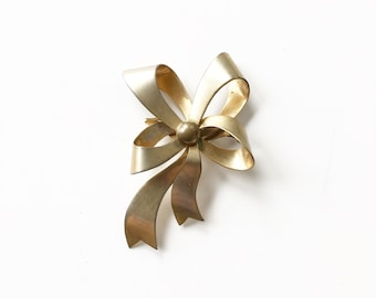 Vintage Brass Gold Tone Bow Brooch Costume Jewelry