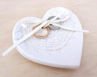 Ceramic ring holder. Heart shape ring dish with ribbon. Vintage lace imprint. Perfect for wedding ring pillow, wedding gift. White lace