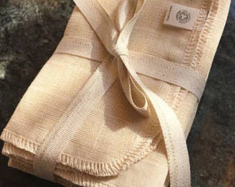 Organic Cotton Muslin Wash Cloths. Bundle of 5. Cleanses with a gentle exfoliating action. Stimulating but soft.