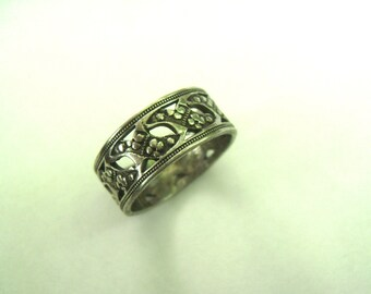 vintage sterling flower/clover cut-out band, size 5.75