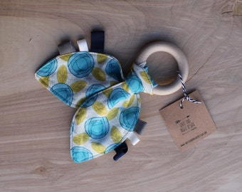 Teether ring- natural wood teether ring- teething ring- natural teething ring-baby shower present- baby shower gift- teething toy