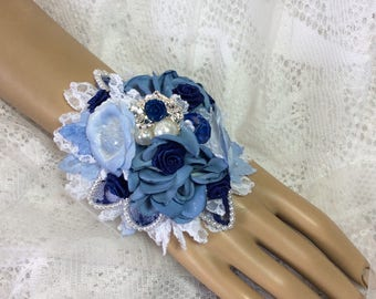 White&Blue Flower Corsage-Wrist Flowers-Prom Corsage-Wedding Bridal Flowers-Brooch Corsage-Corsage for Prom-Keepsake-Corsage-Alternative