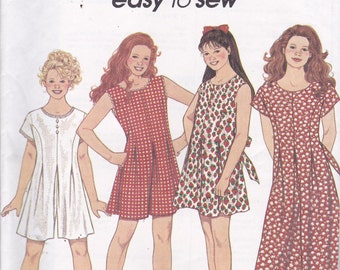 Simplicity 8391 Vintage Pattern Girls Romper and Jumpsuit in Variations Size 7,8,10 UNCUT
