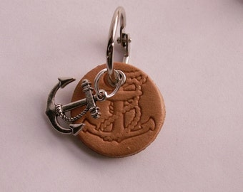 "Beige ""Anchor"", handmade leather keychain"