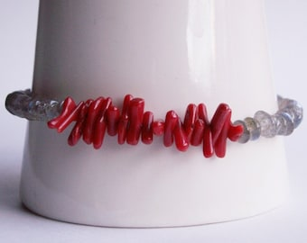 Bracelet with Labradorite - pearls and coral stick