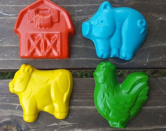 Jumbo Farm Crayons set of 4 - Cow crayons - pig crayons - barn crayons - rooster crayons - party favors
