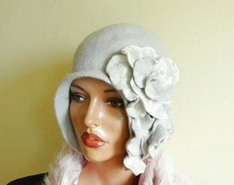 """Light gray hat Light gray cap ( Size 23 """") Felted hat with two  brooches Great Gatsby hat"""