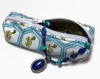 Small zippered bag, turtles, blue, green, coin purse, lined, organization, packing small items, jewelry, medication, needlework, handmade