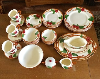 46 Pc FRANCISCAN APPLE USA Mark Dinnerware Set for 6 + 6 Serving Pieces