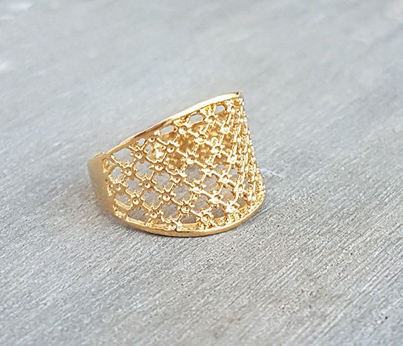 Dainty design ring Fine gold ring Lace ring Adjustable