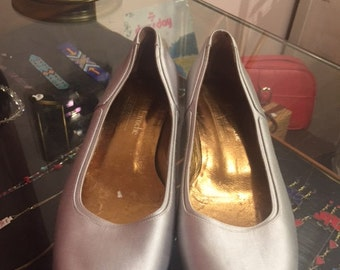 Guy Laroche Paris Flats