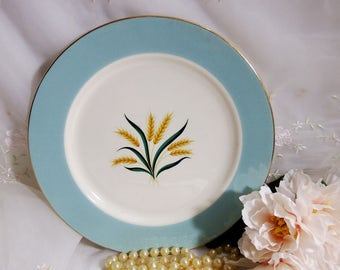 1960s Vintage// Viking by International // Dinner Plate // Cavalier Eggshell // Aqua Rim, Golden Wheat
