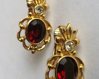 Attractive Vintage Clip On Gold tone with red & clear glass/crystal Earrings
