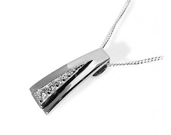 Diamond Pendant with Graduated CZ in a Stylish V-Setting, 925 Sterling Silver