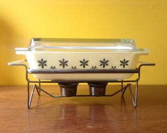 Vintage Pyrex Jaj Yellow Black Snowflake Spacesaver with Lid and Cradle
