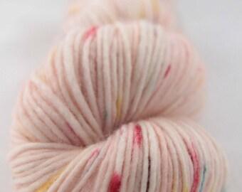 Hand-dyed yarn - superwash merino - DK yarn - single ply -  FETE