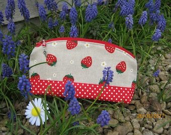 Individual, handmade, makeup bag, make up, cosmetic bag, toiletry bag, zip pouch, strawberry, wash bag, birthday gift, cosmetic pouch, daisy