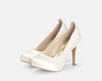 Helena Ivory Wedding Shoe Closed Toe, Ivory Wedding Shoes, Bridal Shoes in Ivory.