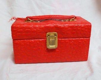vtg Red vinyl Faux alligator box purse Handbag