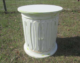 Vintage Furniture, Shabby Chic Side Table, Round Table, Distressed,  Farmhouse,Nightstand