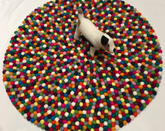 Happy home good felt ball rug