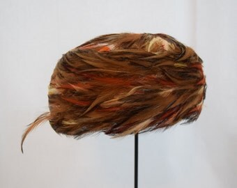 Vintage 1950s 1960s pheasant feather pillbox hat  union made by Pasadena hats