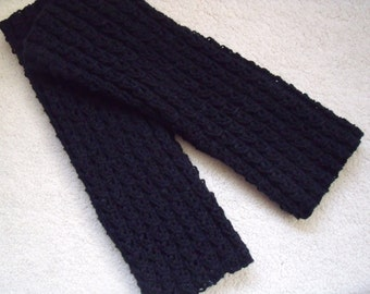 Solid black Leg Warmers in Koffieboontjes stitch (length 35 cm)