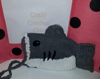 Crochet shark shoulder bag (finished product)