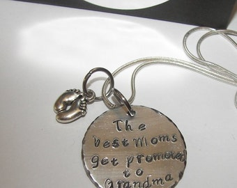 The best mom's get promoted to Grandma Mom Necklace - Hand Stamped Necklace - Personalized Jewelry - Mom Necklace - New Mother Necklace