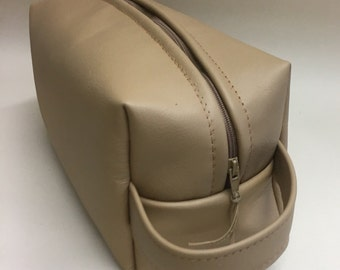 Mens leather toiletries bag, gifts for him,cream leather washbag, mens toiletries bag,gifts for her,mens grooming bag,leather Dopp kit
