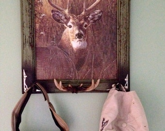 Whitetail deer buck hat or jewelry hanger: rustic green frame and deer with antler and arrow knobs, rustic deer decor, hunting decor