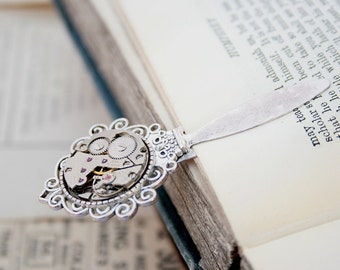Bookmark / Gifts for Reader/ Steampunk Book Mark/ Watch Work Accessories/ Metal Bookmark with Watch Movement / Birthday gifts