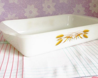 Vintage Fire King Wheat Pattern Pyrex 410  Long Lasagna Dish. 1960