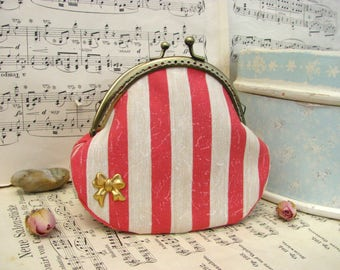 Coin purse clutch with retro stripes