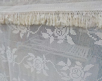 "Antique Hand Crocheted Cotton Lace White Bed Spread / Coverlet Rose Floral French Country Provincial Design  84"" x 96""  Excellent Cond."