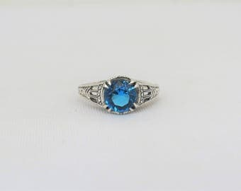 Vintage Sterling Silver Round cut Blue Topaz Ring Size 8