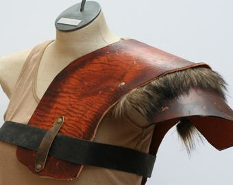 Distressed Leather and Fur Shoulder Armor, Primitive Armor, Left Right Shoulder Chest Barbarian Wildling Armor, moyamensing ambidextrous