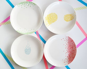 Ceramic plates with coloured dots design (ONE PLATE ONLY)